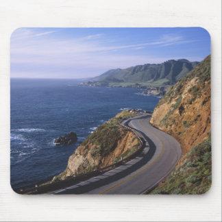 近のカリフォルニア海岸に沿うハイウェー1 マウスパッド
