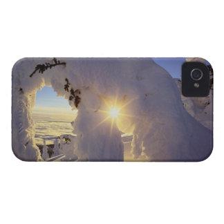 近の大きい山のSnowghostsによる日没 Case-Mate iPhone 4 ケース