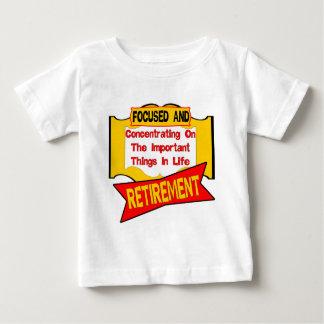 退職の集中 ベビーTシャツ