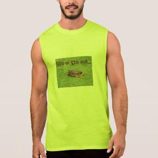 退職-ゴルフコースの減速のカメ 袖なしシャツ