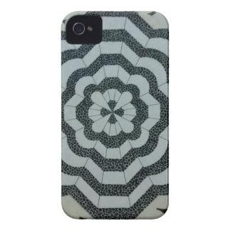 逆さまに完全に Case-Mate iPhone 4 ケース