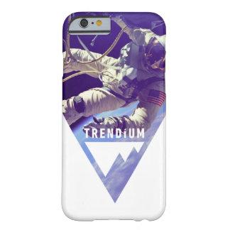 逆にされた三角形のTrendiumの確実な宇宙飛行士 Barely There iPhone 6 ケース