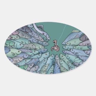 逆上の楕円形のステッカーを食べ物を与えている魚 楕円形シール