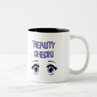 透明な夢を見る真偽の確認のコーヒー・マグかコップ ツートーンマグカップ