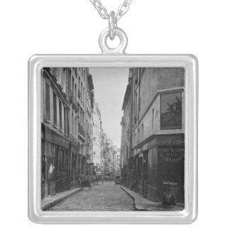 通りdes Moineaux、通りdes Ortiesからの、パリ シルバープレートネックレス