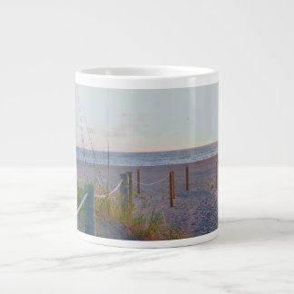 通路のフロリダのビーチ砂丘日の出 ジャンボコーヒーマグカップ