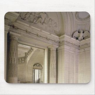 造られる中央玄関の眺め1642-51年 マウスパッド