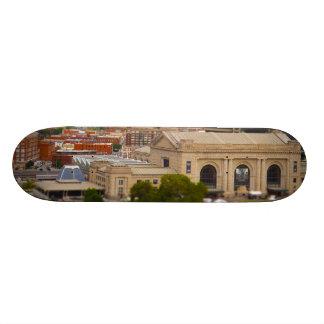 連合場所、Kauffmanの中心、空はKCを配置します スケートボードデッキ