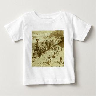 連合太平洋の鉄道の場面 ベビーTシャツ