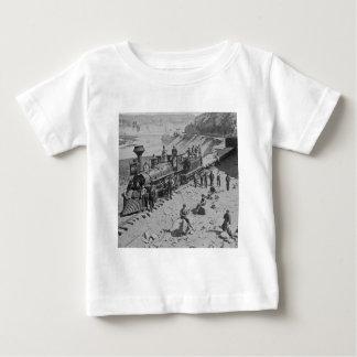 連合太平洋の鉄道B&Wの場面 ベビーTシャツ