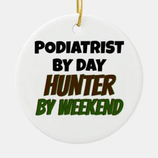 週末までに日のハンターによるPodiatrist セラミックオーナメント