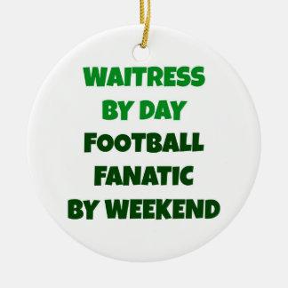 週末までに日のフットボールの熱狂者によるウェートレス セラミックオーナメント