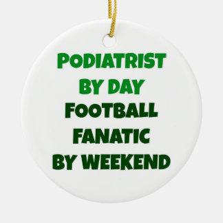 週末までに日のフットボールの熱狂者によるPodiatrist セラミックオーナメント