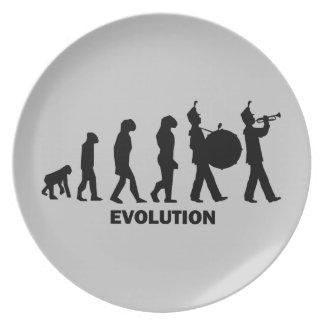 進化のマーチングバンド プレート