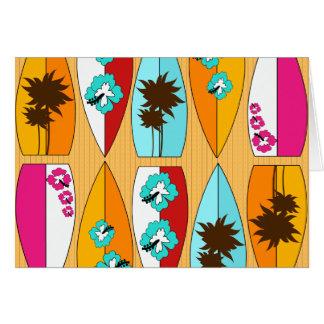 遊歩道の夏のビーチのテーマのサーフボード カード