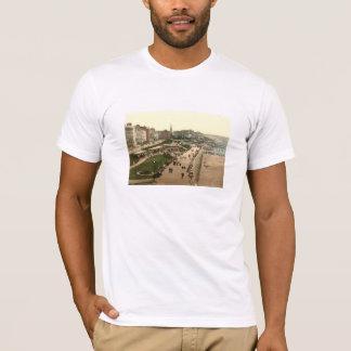 遊歩道、Bridlington、ヨークシャ、イギリス Tシャツ