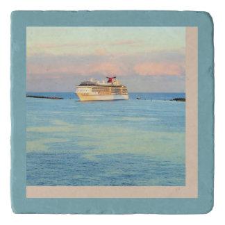 遊航船とのパステル調の日の出 トリベット
