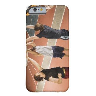 運動に衣類の遊ぶことの3人 BARELY THERE iPhone 6 ケース