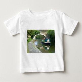 運河ボートのクルージング ベビーTシャツ
