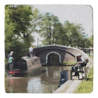運河 トリベット