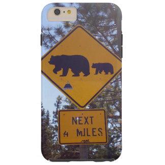 道路標識のiPhone6ケースを交差させているくま Tough iPhone 6 Plus ケース