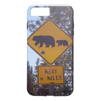 道路標識のiPhone 7の場合を交差させているくま iPhone 8 Plus/7 Plusケース