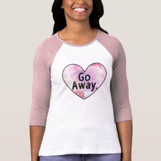 遠くにに愛ハートの上は行きます Tシャツ