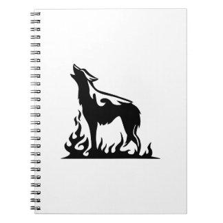 遠ぼえしているオオカミ ノートブック