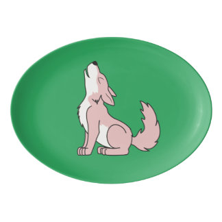 遠ぼえしている淡いピンクのオオカミ子犬 磁器大皿