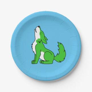 遠ぼえしている緑のオオカミ子犬 ペーパープレート