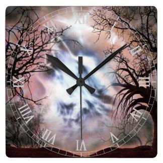 遠ぼえのオオカミのヴィグネットの柱時計 スクエア壁時計