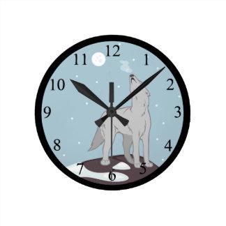 遠ぼえの北極オオカミ ラウンド壁時計