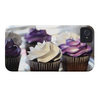 選択的な焦点が付いているカップケーキのクローズアップ Case-Mate iPhone 4 ケース