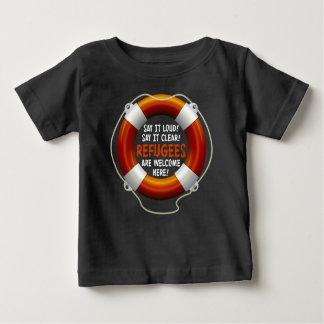 避難者はベビーの暗いジャージーのTシャツを歓迎します ベビーTシャツ