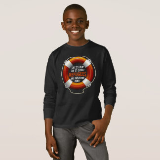 避難者は男の子の暗い長袖のTシャツを歓迎します Tシャツ
