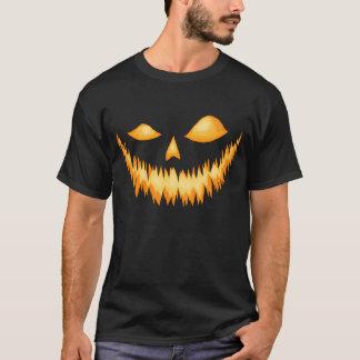 邪悪なにやにや笑い2の暗闇のハロウィーンのカボチャのちょうちん Tシャツ