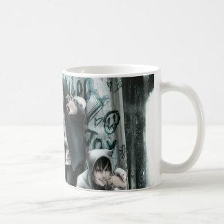 邪悪な男の子のマグ コーヒーマグカップ