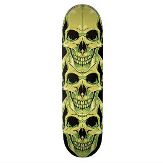 邪悪な緑のにやにや笑うゴシック様式スカル スケートボードデッキ