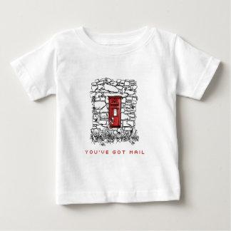 郵便を持っています ベビーTシャツ