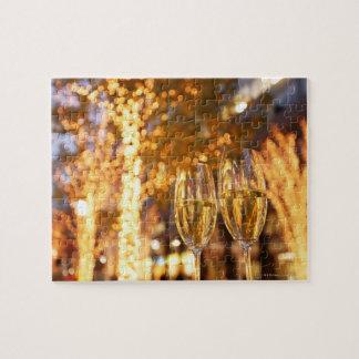 都市のクリスマスを焼くシャンペンガラス ジグソーパズル