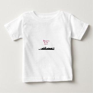 都市スカイラインの胸 ベビーTシャツ