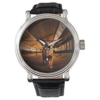 都市トラ 腕時計