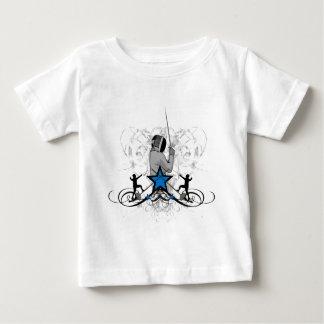 都市フェンシングのイラストレーション ベビーTシャツ