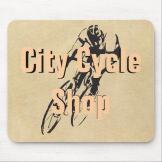 都市周期の店の名前入りなバイクの競争 マウスパッド