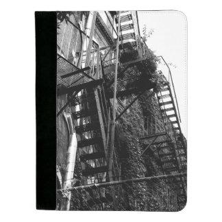 都市建物のファイア・エスケープB&Wの写真Padfolio パッドフォリオ