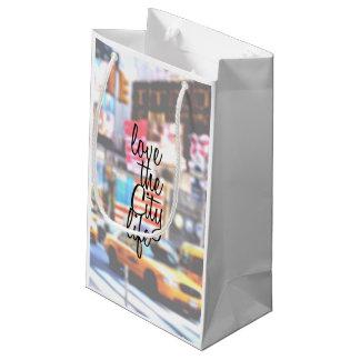 """""""都市景観の都市生活""""のタイポグラフィ愛して下さい スモールペーパーバッグ"""