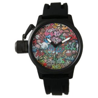 都市通りの芸術の落書きのキャラクターパターン 腕時計