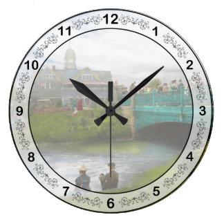 都市-デトロイトMI -家族Renunion - 1900年 壁時計