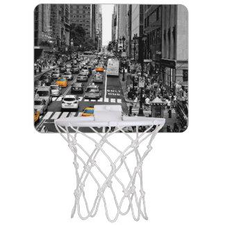 都心のニューヨークシティの小型バスケットボールのゴール! ミニバスケットボールゴール