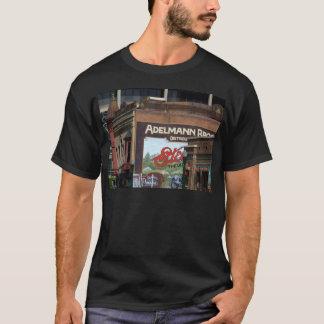 都心のボイジー Tシャツ